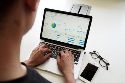 Czy każda firma powinna mieć swoją stronę internetową?