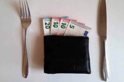 Szybka gotówka, pożyczka z banku czy od rodziny?